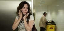 Mary-Louise Parker dans Feed Me sur NBC